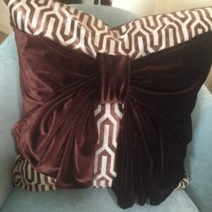 Throw&ABow® Throw Pillow with an attached luscious shawl Warm shoulders to Bow Decor